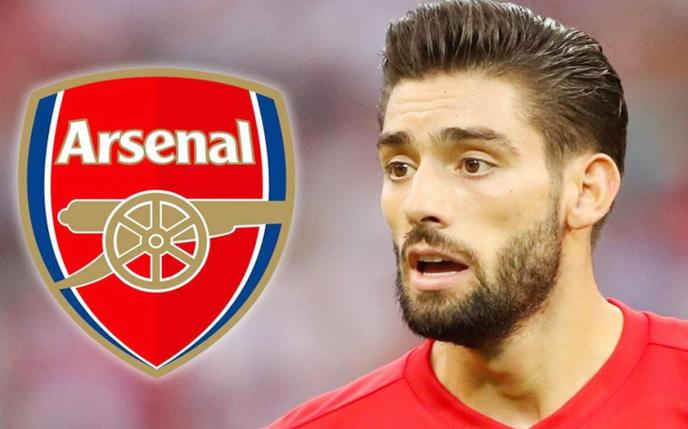 Arsenal,Yannick Carrasco