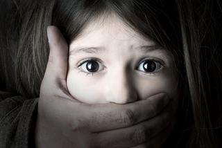 Mỹ ký luật cho phép tội phạm xâm hại tình dục trẻ em phải bị thiến bằng thuốc