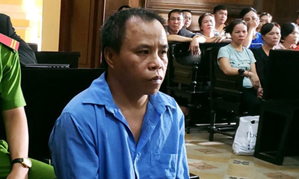 Chồng giết người, vợ bị đánh bầm dập tại tòa