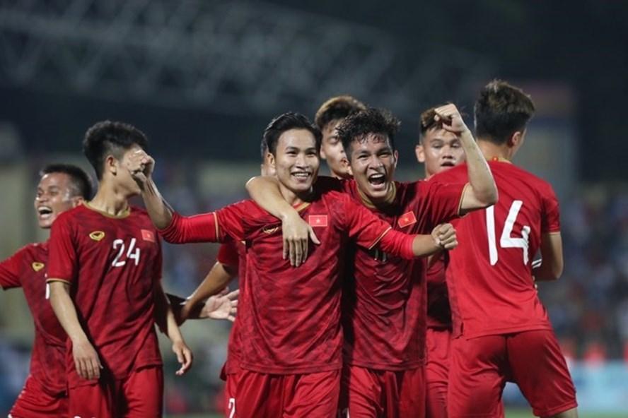Tuyển Việt Nam lỡ giao hữu Nigeria, VFF tập trung U23 Việt Nam