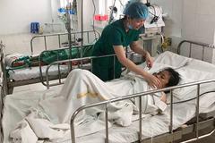 Nguy kịch sau 16 ngày sốt cao, cô gái nước ngoài sống sót khi sang Việt Nam