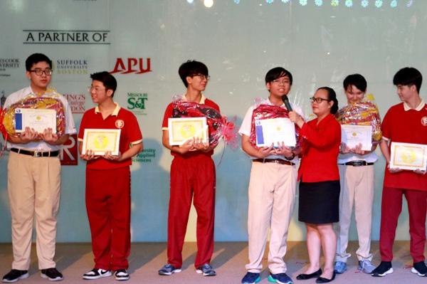 Chàng học sinh Trường Quốc tế Á Châu mê AI, ẵm nhiều giải thưởng