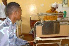 Sản phụ thi tốt nghiệp ngay trên giường bệnh sau sinh 30 phút