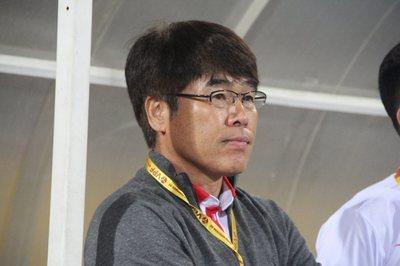 Đồng hương thầy Park từ chức HLV trưởng CLB Viettel