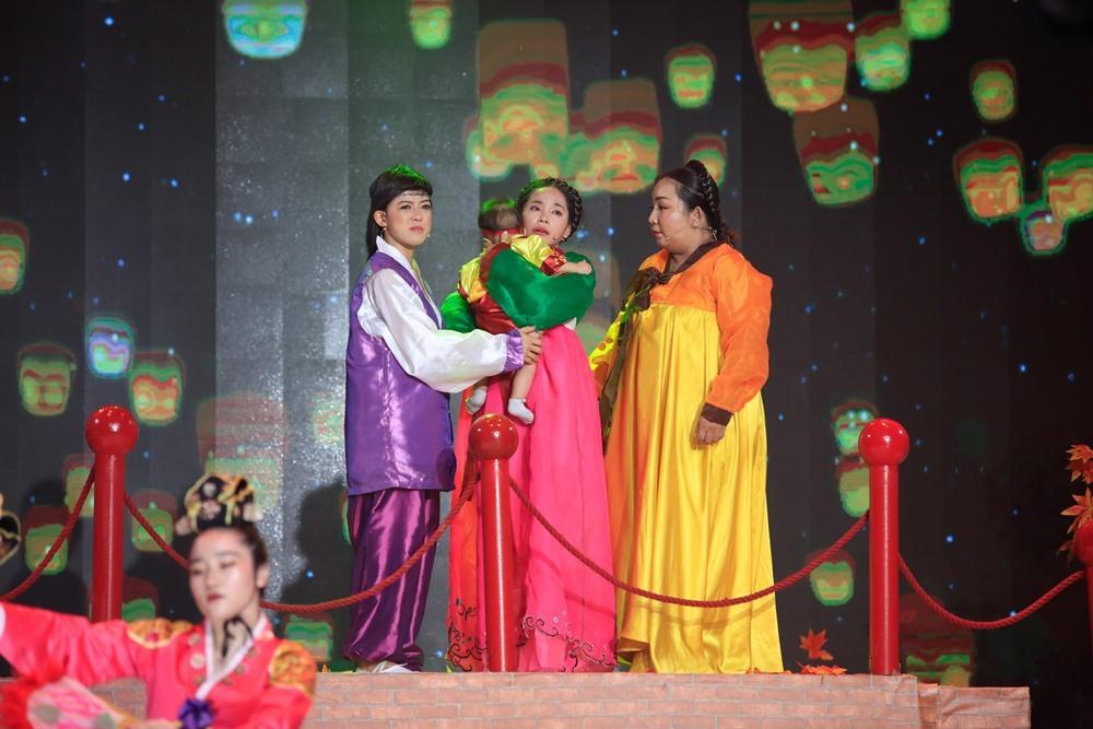 Thanh Bạch kinh ngạc trước 'nàng geisha Nhật Bản' biết hát cải lương