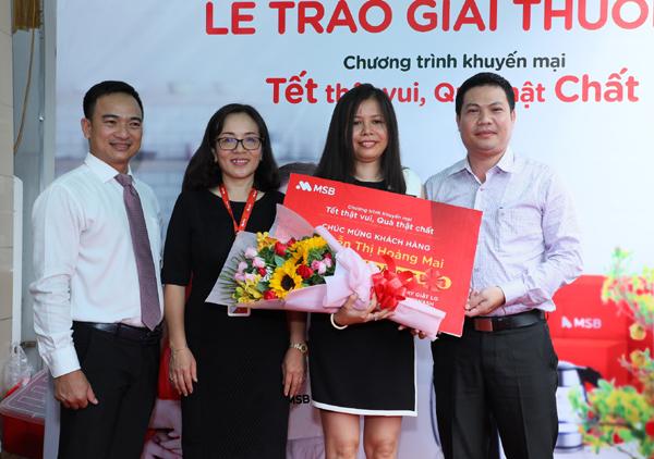 Khách hàng trúng giải đặc biệt chương trình khuyến mại Xuân của MSB