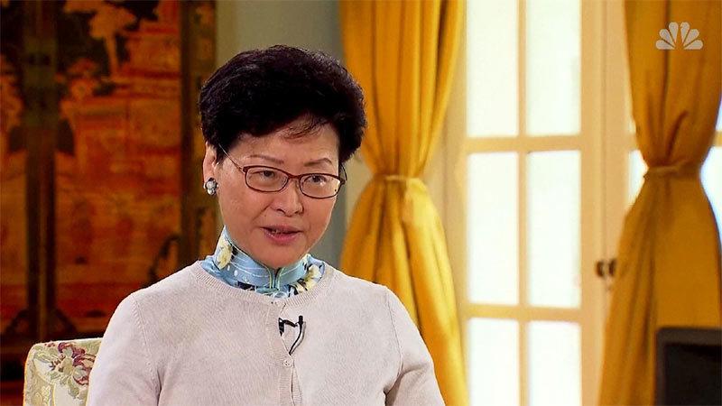 Biểu tình Hong Kong giải tán, cảnh sát lặng lẽ dọn chướng ngại vật