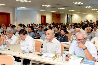 Đề xuất tập hợp các đại học cùng chuyên ngành, giảm số lượng trường công lập