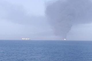Thêm hai tàu chở dầu bị tấn công gần bờ biển Iran