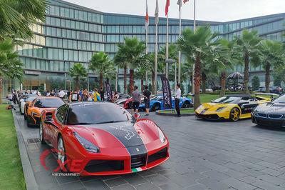 Choáng ngợp dàn siêu xe triệu đô đẹp tuyệt mỹ đổ về Hà Nội