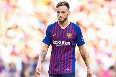 Barca đồng ý bán Rakitic cho MU, Arsenal mất Torreira