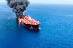 Mỹ cáo buộc Iran tấn công tàu chở dầu