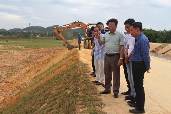 Bộ NN&PTNT nói về kênh ngàn tỷ ở Hà Tĩnh mới sử dụng đã gặp sự cố
