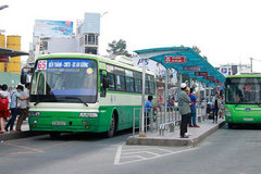 Modern bus stops put into use in HCM City