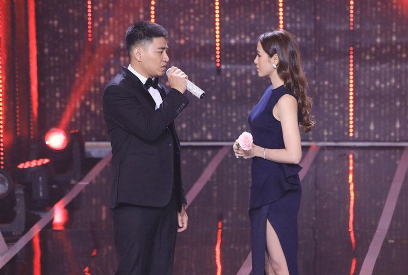 Đạo diễn triệu view của Hương Tràm, Đức Phúc tỏ tình bạn gái trên truyền hình