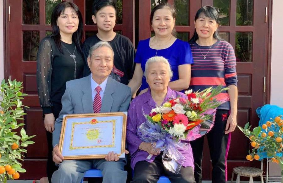 Nhật ký trào nước mắt của người con 30 năm xa xứ gửi cha