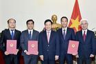 Phó Thủ tướng trao các quyết định về công tác cán bộ