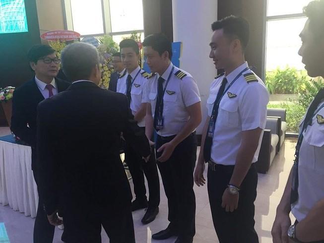 phi công,hàng không,lương phi công