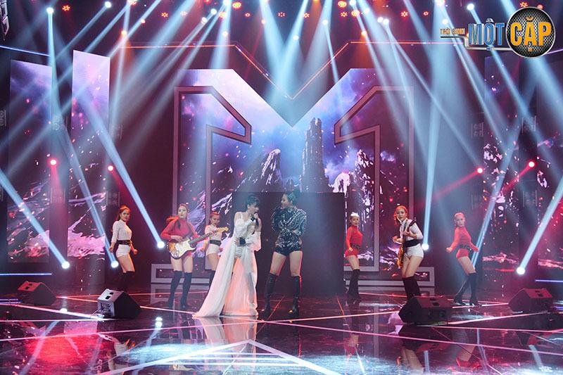 Thanh Hương nhận 3 điểm 10 từ giám khảo sau phần thi bùng nổ