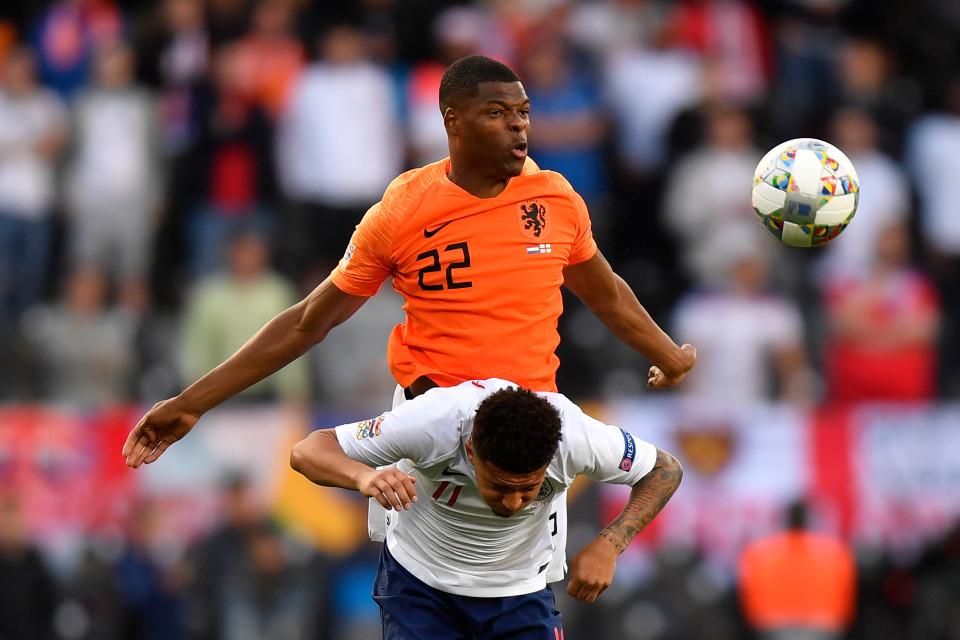 MU tuyển 'cơn lốc đường biên', Bayern giải cứu Bale