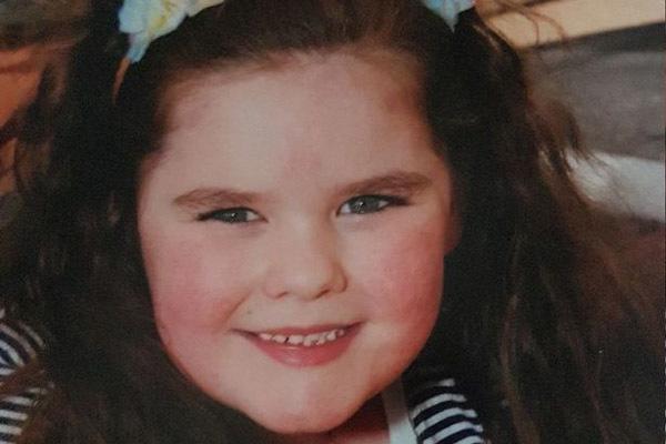 4 tuổi dậy thì và 7 tuổi mãn kinh, bé gái mất tuổi thơ mãi mãi