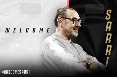 Chia tay Chelsea, HLV Sarri chính thức làm thầy Ronaldo