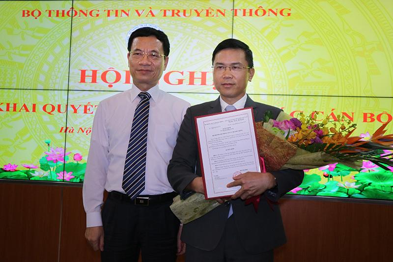Bộ trưởng TT&TT trao quyết định bổ nhiệm Tổng biên tập báo VietNamNet