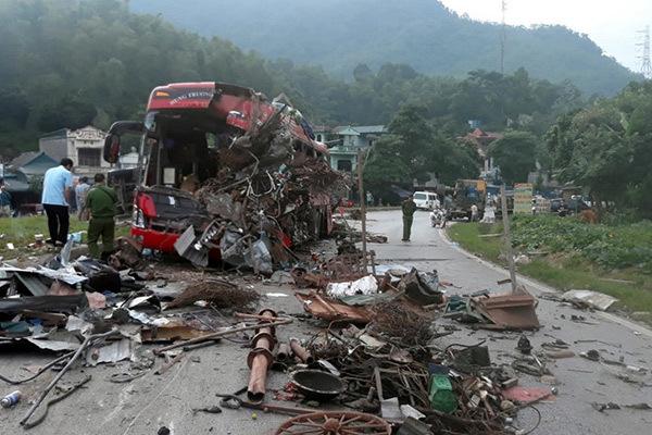 Xe tải gây tai nạn 3 người chết ở Hòa Bình không có dữ liệu tốc độ