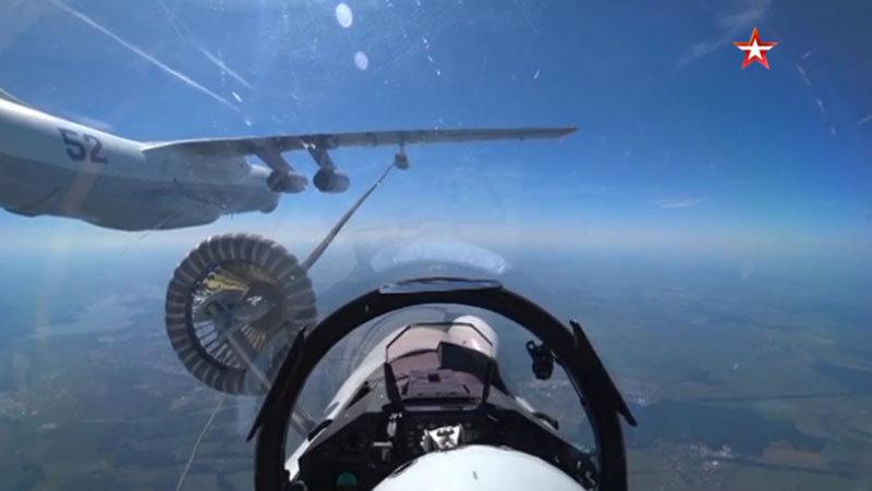 Nga,chiến cơ,tiếp liệu trên không