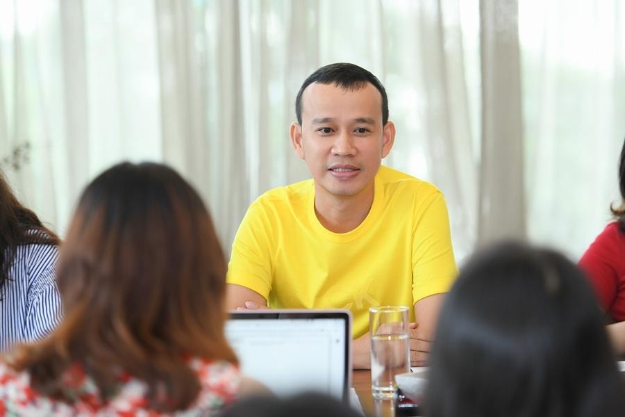 Phúc Nguyễn chê Mâu Thủy nhạt, 'hoang tưởng' về con số 5 tỷ
