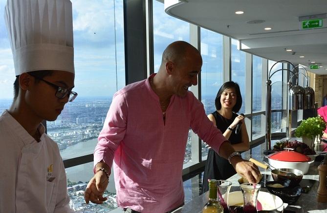 Đầu bếp 'vạn người mê' David Rocco muốn đưa ẩm thực Việt ra thế giới