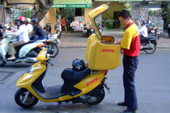 Big players vie for Vietnam's delivery market share