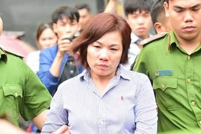 Nước mắt muộn màng của nữ tài xế BMW tông chết người ở Hàng Xanh