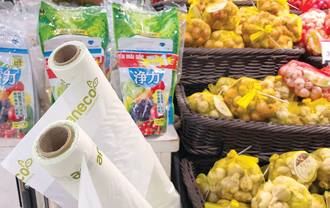 plastic and packaging producers in Vietnam,plastic waste in vietnam,EVFTA,WWF,vietnam economy,Vietnam business news,business news,vietnamnet bridge,english news,Vietnam news,vietnamnet