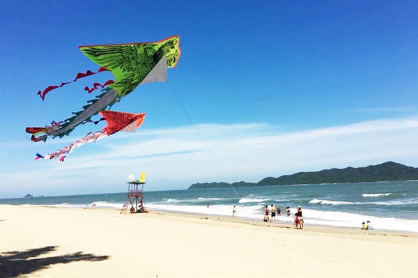 Cai Chien Island: one more beautiful tourist attraction in Quang Ninh