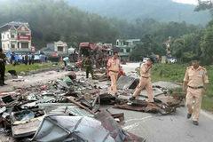 Bất ngờ biển số xe tải Lào gây tai nạn 3 người chết ở Hoà Bình