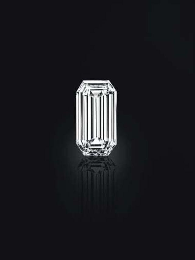Đấu giá kho báu đầy trang sức, đá quý 500 năm tuổi trị giá 2,7 nghìn tỷ
