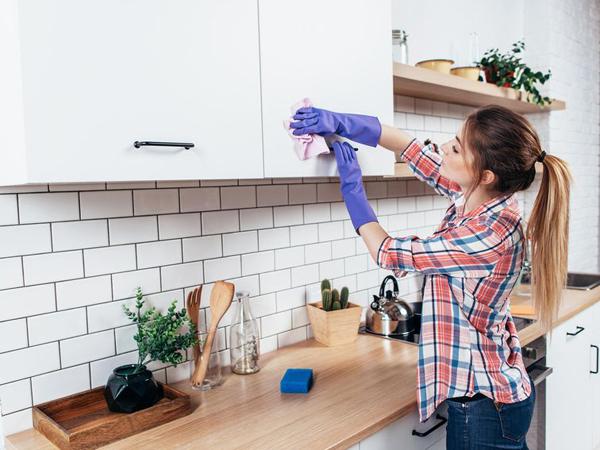 Laminate - vật liệu hoàn hảo ốp tường, mặt bàn bếp