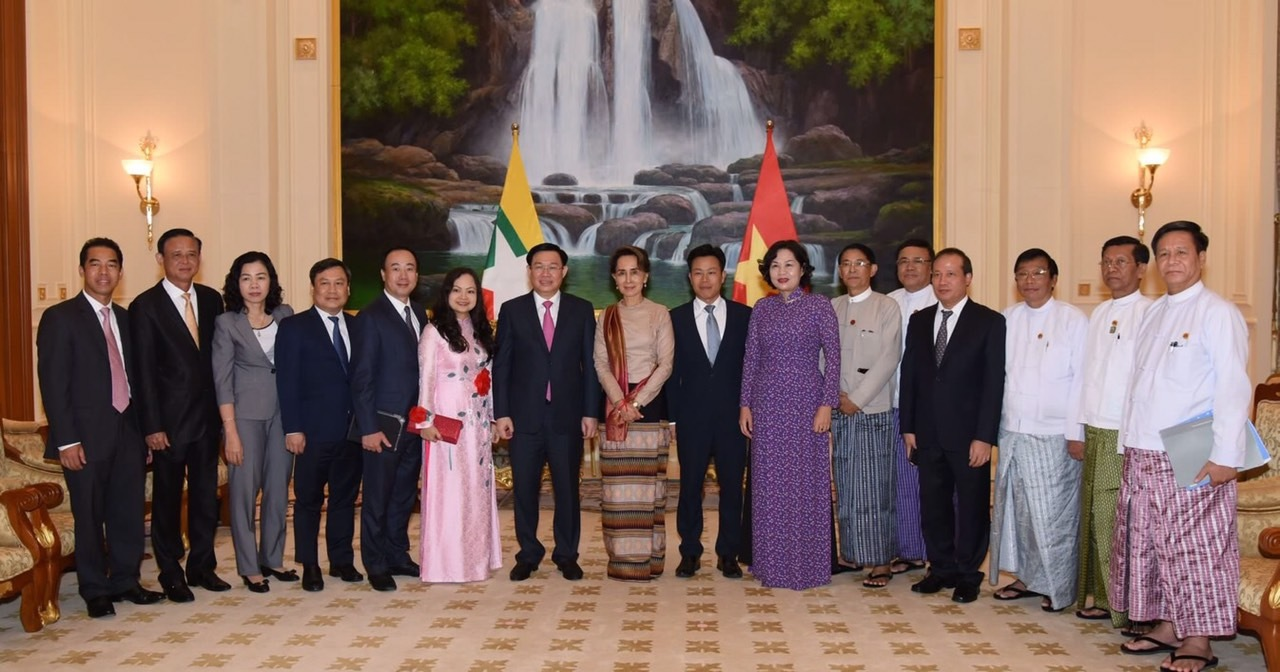 Phó Thủ tướng đề nghị Myanmar đơn giản thủ tục thông quan hàng hóa