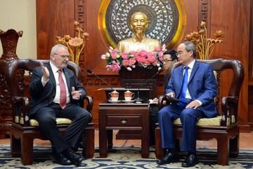HCM City, US seek to boost ties in human resources development
