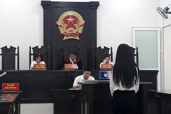 Nữ sinh ĐH môi giới mại dâm cho các đại gia ở Hà Nội