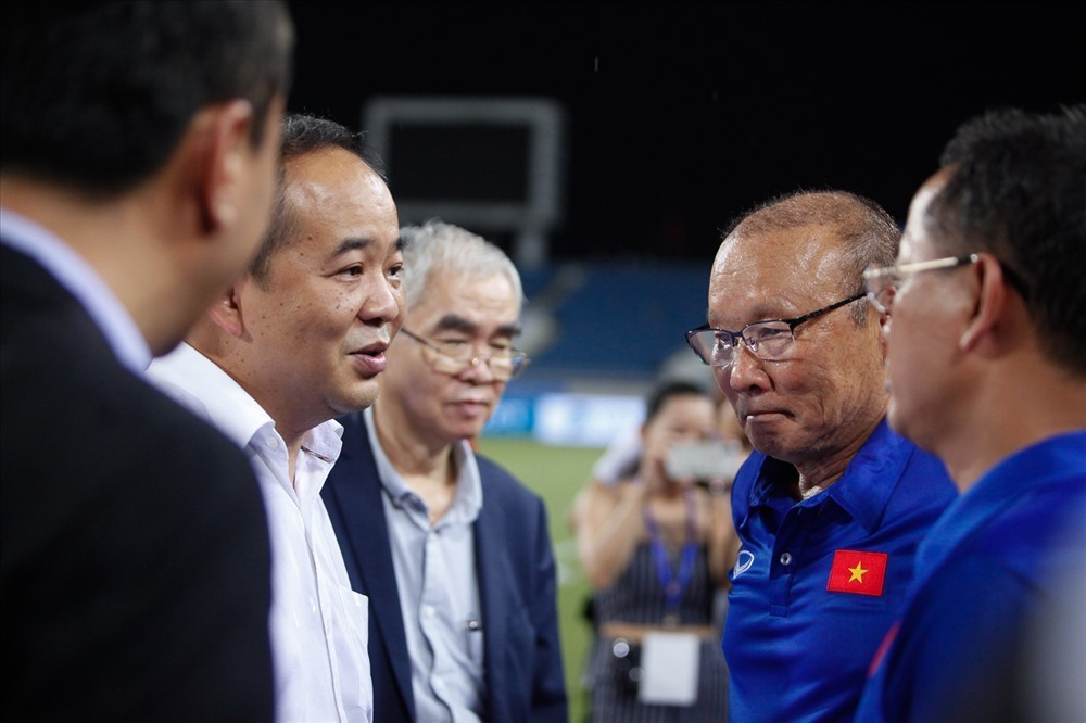 Chủ tịch VFF: 'HLV Park Hang Seo sẽ không bị thiệt về lương'