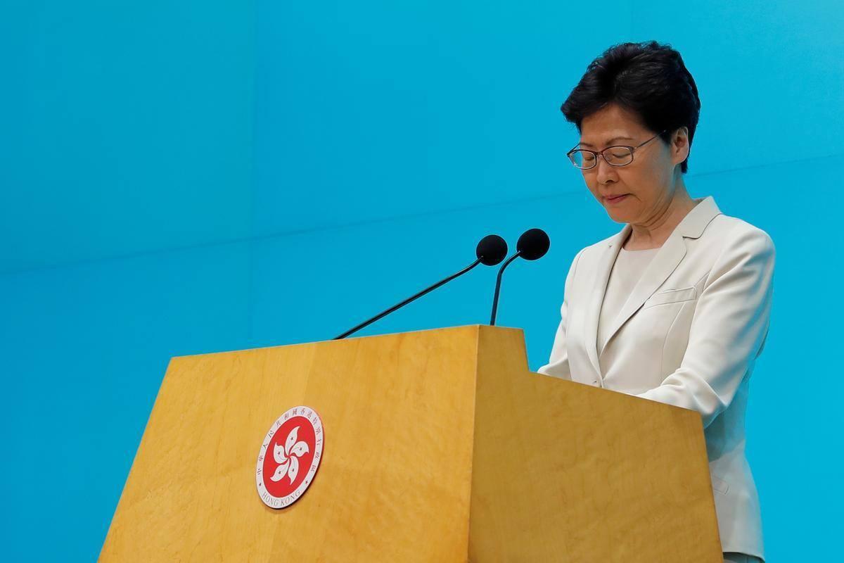 Lãnh đạo Hong Kong trực tiếp phát biểu xin lỗi người dân