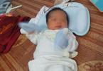 Người phụ nữ Hà Nội 53 tuổi, mãn kinh 8 năm vẫn sinh con