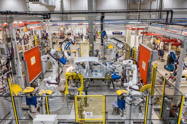 VinFast -'huyền thoại' ngành công nghiệp ô tô Việt Nam