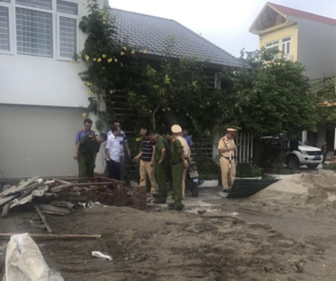20 côn đồ dùng súng quân dụng truy sát nhau quanh chợ Ka Long, Móng Cái