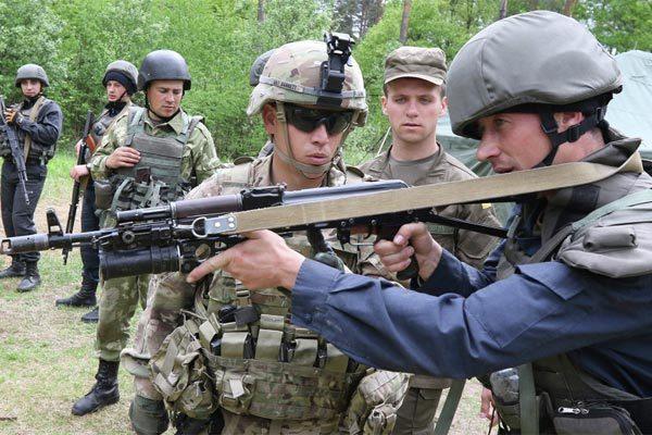 Căng với Nga, Mỹ viện trợ quân sự 'khủng' cho Ukraina