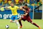 Brazil 0-0 Venezuela: Firmino bị từ chối bàn thắng (H2)