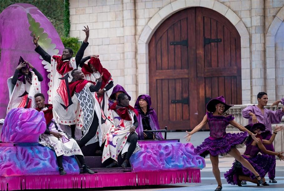 Vũ hội Ánh Dương: Show diễn đẳng cấp quốc tế