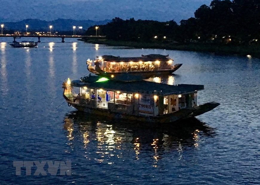 Huong river's charm by night